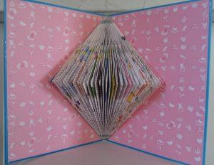 pliage-papier-pages-livre-a-recycler-par-artiste-severine-peugniez-mimi-vermicelle