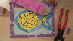 initiation mosaique enfant primaire maternelle atelier arts plastiques severine peugniez mimi vermicelle savenay loire atlantique